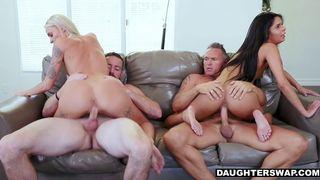 drei blonde lesbische Sex-Party